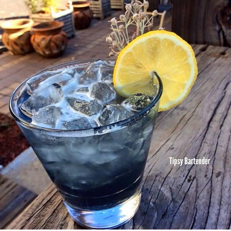 VIOLET FIZZ Cocktail