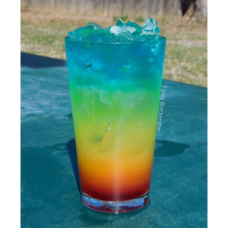9 The-Perfect-Rainbow-Cocktail-768x768
