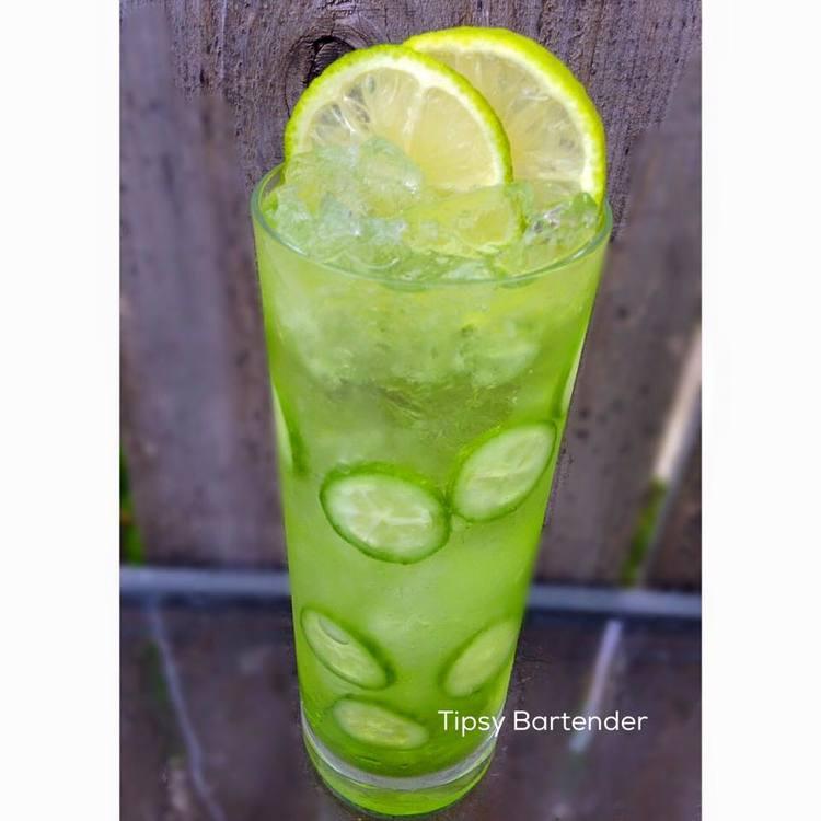 CUCUMBER TONIC Cocktail