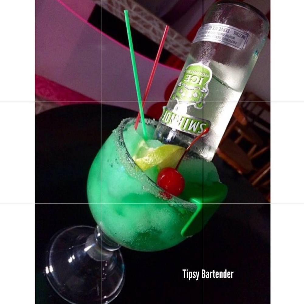 St. Patrick's Green Apple Fuzz Cocktail