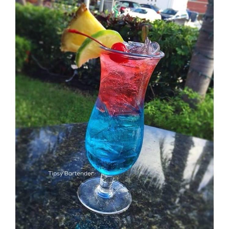Cherry Berry Lemonade Cocktail