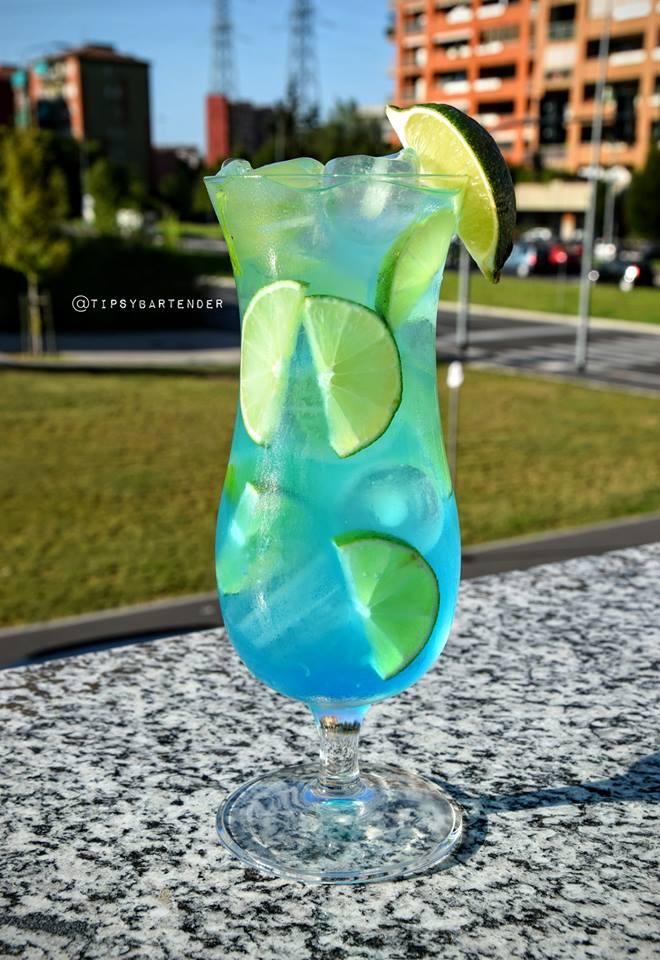 Blue Peach on the Beach Cocktail