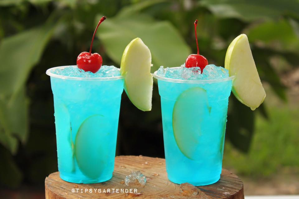 Manzana Azul Cocktail